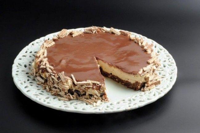 עוגת שכבות ופלים בטעם קפה-שוקולד