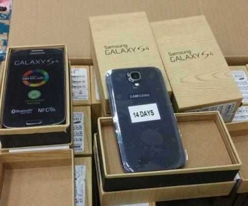 """מכס נתב""""ג מנע הברחה של כ-3,500 טלפונים"""