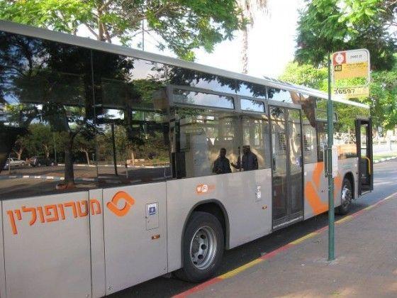 ממחר יופעל בשרון עלייה לאוטובוס מכל הדלתות