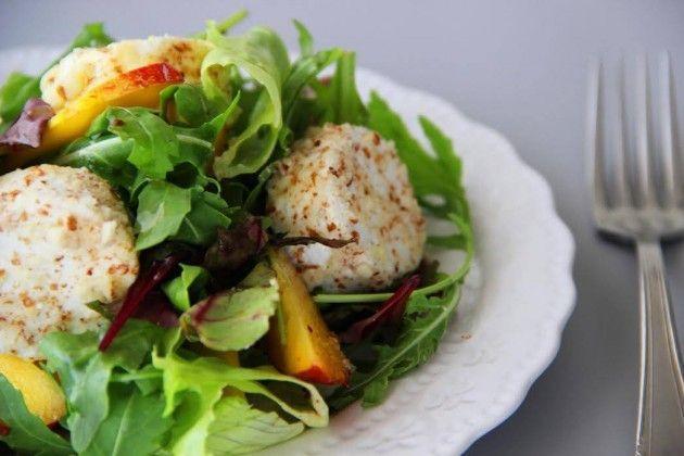 סלט אביבי ירוק בשילוב גבינת עיזים