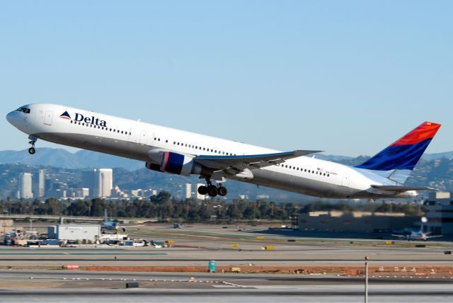 דלתא חיזקה את טיסותיה הפנימיות והבינלאומיות באמצעות ביצוע שדרוגים משמעותיים בשדות התעופה והוספת יותר מ-300 המראות יומיות