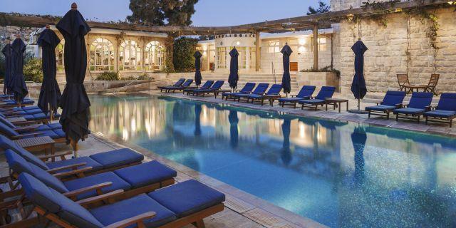 הבריכה במלון אמריקן קולוני. צילום: מיקלה בורסטו-עוזיאל