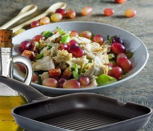 סלט עוף עם ענבים בוינגרט חרדל ודבש