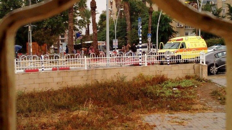 פצוע קל מדקירה בקריית גת - חשד לאירוע פח״ע
