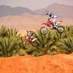 פונה מסלול בלתי חוקי למירוצי אופנועים