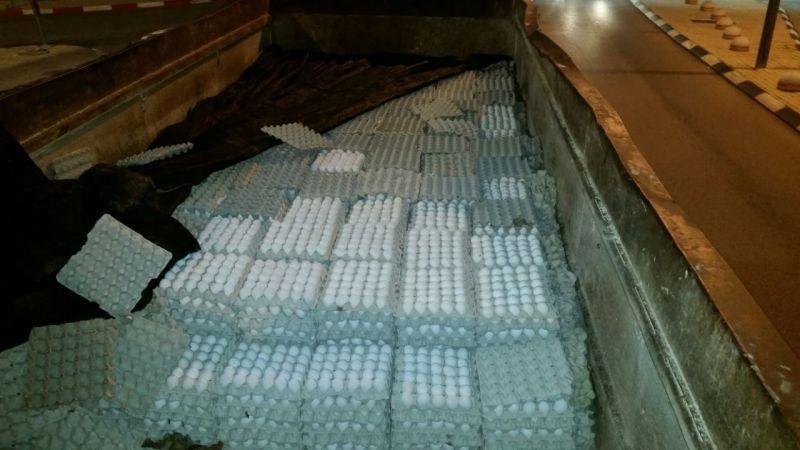 סוכלה הברחת 36,000 ביצים במחסום המנהרות