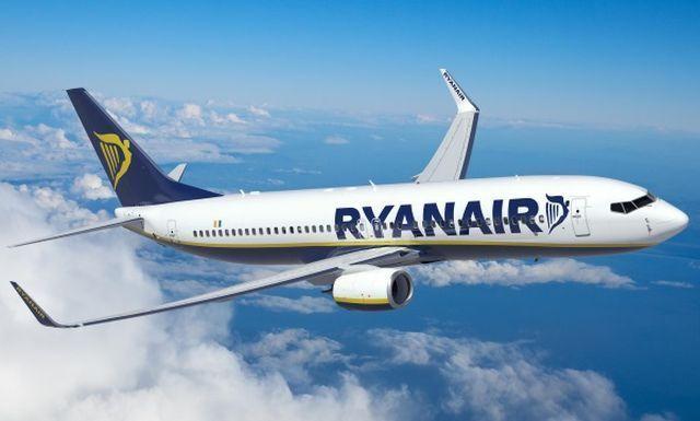 """מטוס בואינג 737 של ריינאייר. צילום יח""""צ"""