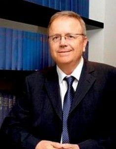 """השופט בדימוס עו""""ד דניאל ארנסט"""