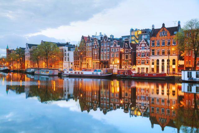"""תעלת מים אופיינית באמשטרדם. צילום יח""""צ"""