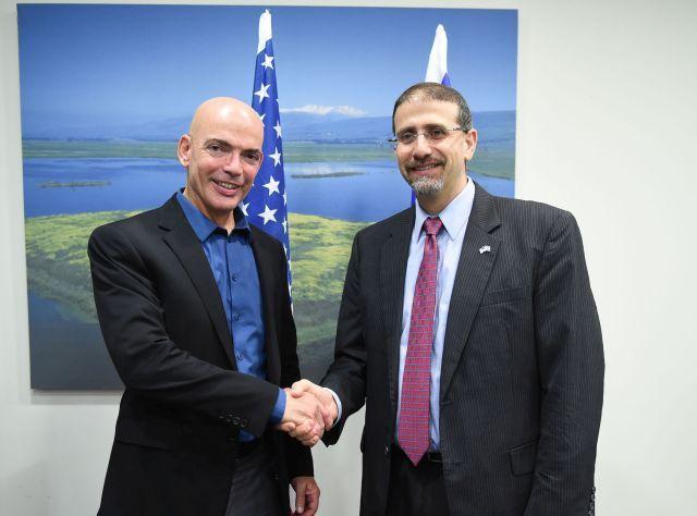 """שגריר ארה""""ב בישראל, דן שפירו וראש מפא""""ת במשרד הביטחון, תא""""ל (מיל') ד""""ר דני גולד"""