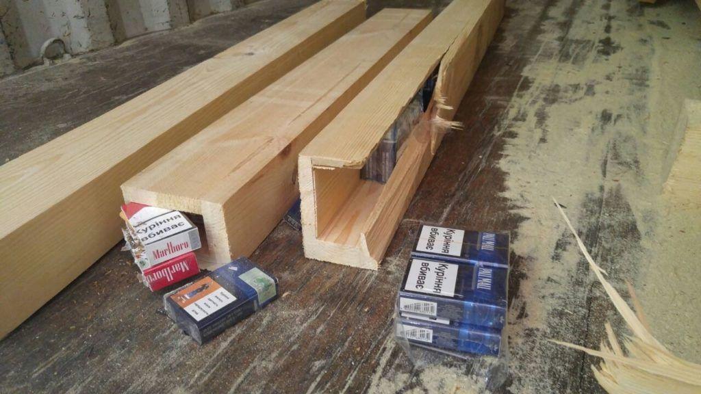 יבואן נעצר בחשד כי ניסה להבריח כ- 100,000 חפיסות סיגריות