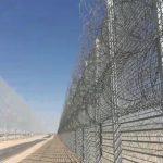 גדר ביטחונית מוקמת להגנת נמל התעופה רמון