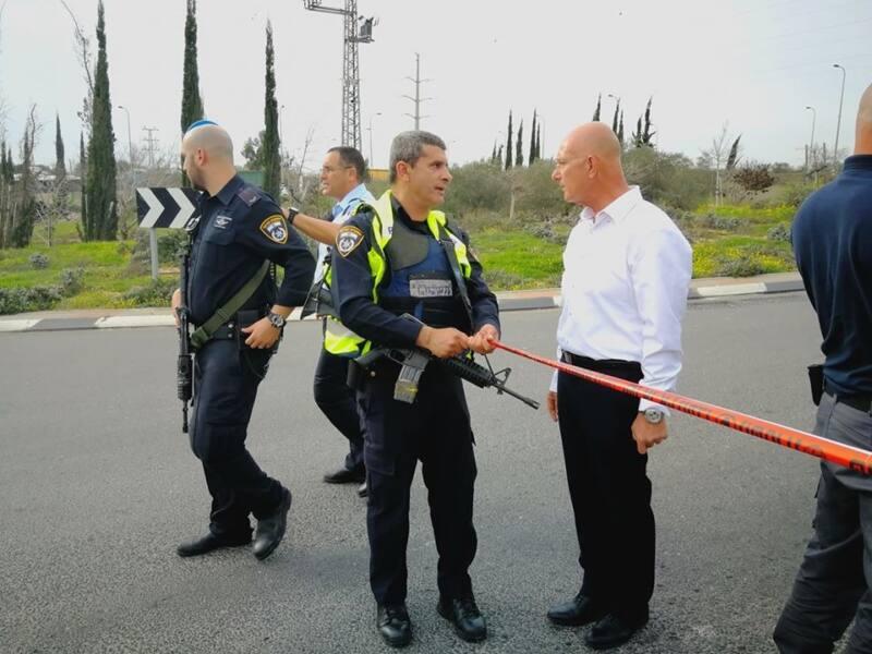 ראש עיריית אריאל במקום הפיגוע