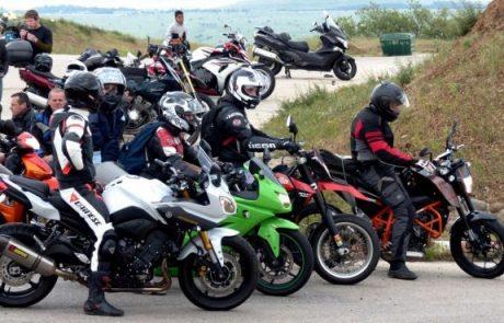 אופנוענים יקבלו את הזריחה בחג החירות בהר בנטל