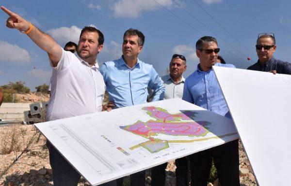 השר כהן: בראש העדיפויות הקמת אזור תעשייה בוסתני חפץ בשומרון