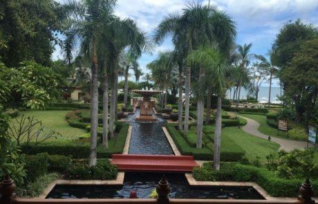 לצאת לחופשה לעיירת הנופש של האלפיון העליון בתאילנד