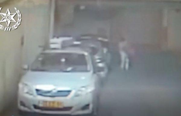 צפו: חשודה פורצת לרכבים בנתניה