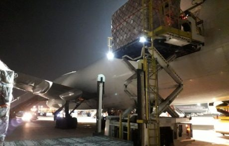 60 טונות של מסכות וציוד רפואי נחתו בישראל