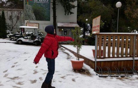 השלג הגיע גם למנרה  לודג'