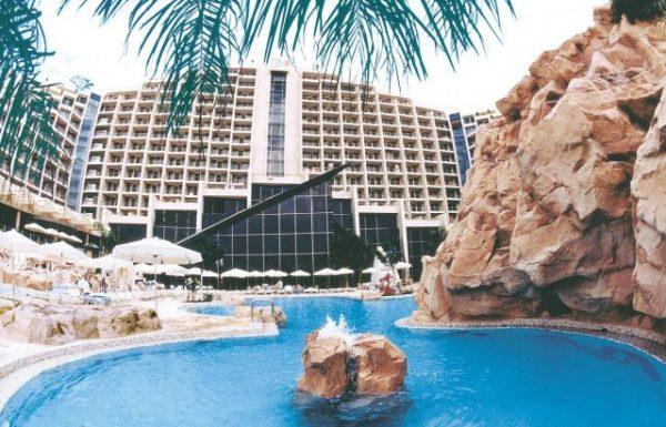 ההכנסות וההוצאות במלונות עלו כל שנה
