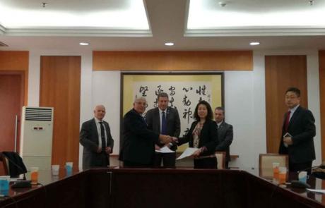 נחתם הסכם לייצוא מוצרי חלב מישראל לסין