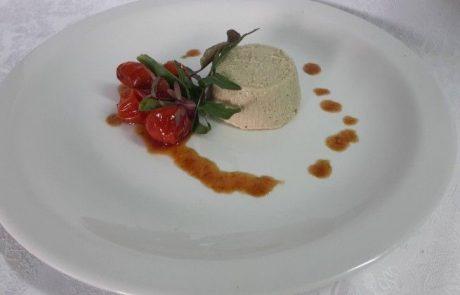פטה חצילים בטעם כבד עם ריבת עגבניות שרי