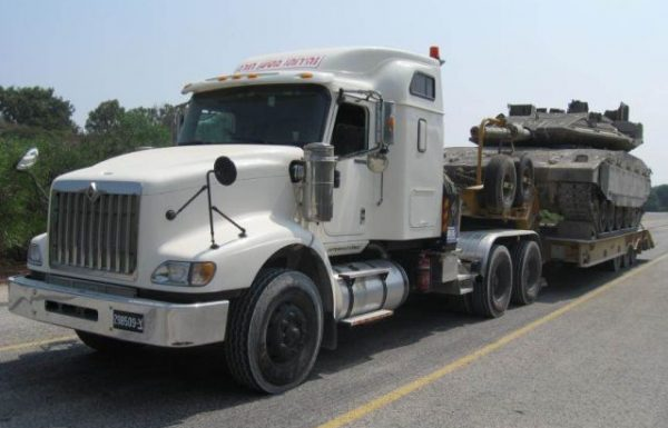 """הוזמנו כ-90 משאיות """"ראש גורר"""" אמריקניות"""