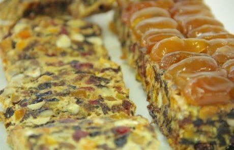 עוגת פירות יבשים ומרציפן בניחוח קינמון