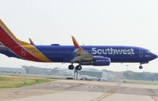 קרקוע מטוסי 737MX גורם לסאות'ווסט לעזוב את נמל ניוארק