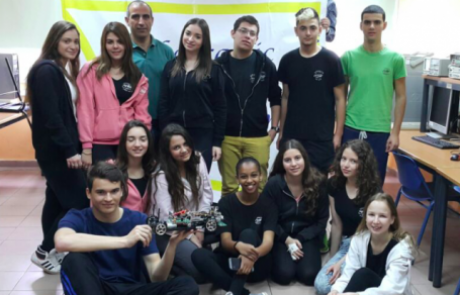 תלמידי רוגוזין משתתפים בתחרות Robotraffic
