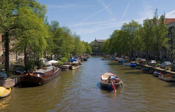 125 יעדים באירופה גובים מס תיירים