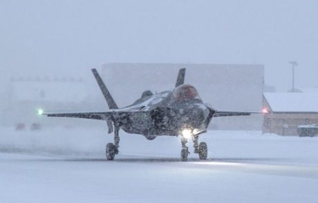 F35A נחת בהצלחה על מסלול מכוסה קרח