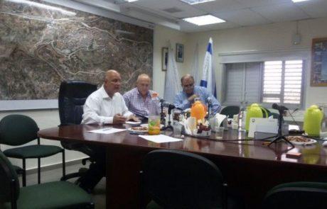 לראשונה באריאל :ישיבת מועצה ללא חברי מועצה