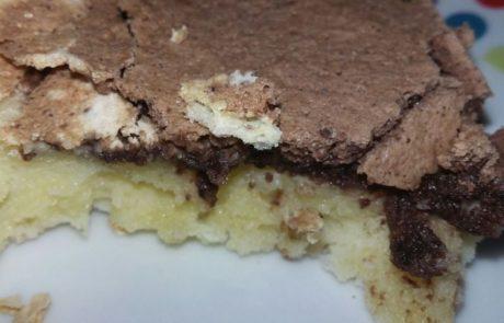 עוגת גבינה שוקולד עם ציפוי נשיקות