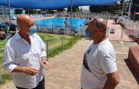 עונת הרחצה נפתחה : הבריכה העירונית אריאל