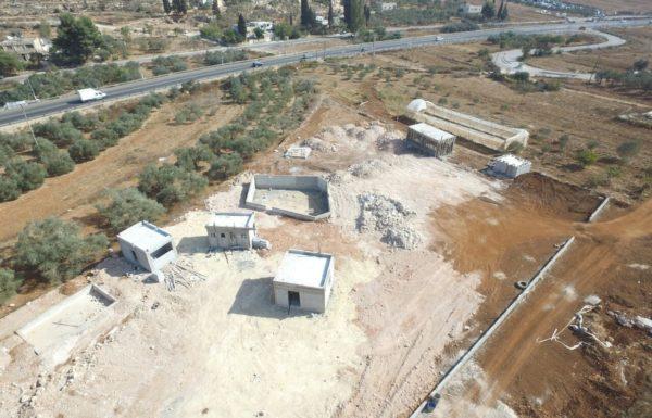 לעצור את בניית כפר הצימרים הפלשתיני הסמוך לאריאל