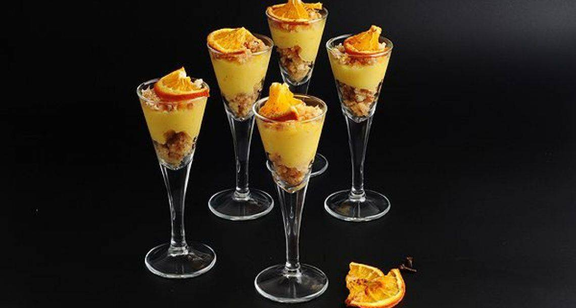 קרם תפוזים אישי פירורי עוגת ספוג ופלחי הדרים מיובשים