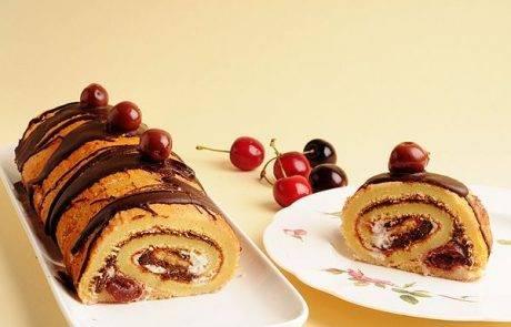 מתוק ונוסטלגי רולדה  במילוי  ממרח טחינה שוקולד ודובדבנים
