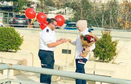 הזוג שהכיר והתארס בתחנת מגן דוד אדום