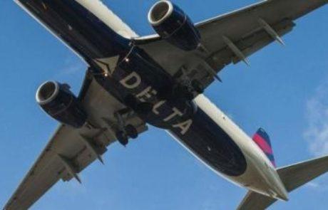 לוגו  בבטן המטוס מקל על זיהוי מטוס דלתא