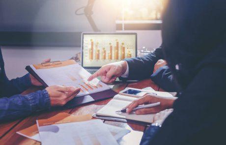 השקעה בשוק ההון – בית השקעות או בנק?