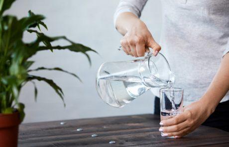 למה כדאי לכם לשתות יותר מים בחורף
