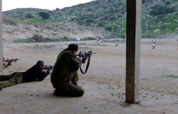 שני מחבלים חמושים ירו לעבר כוח צבאי שאבטח אוטובוס טיולים