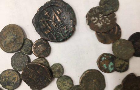 סוכלה הברחת 53 מטבעות עתיקים מהתקופה הרומית והממלוכית