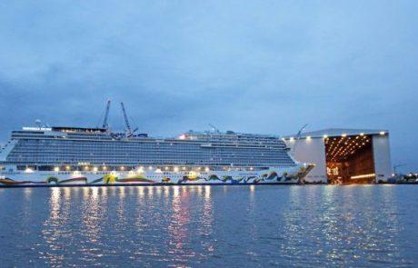 אוניית נורוויג'ן אנקור החדשה הוצאה מהמספנה למים