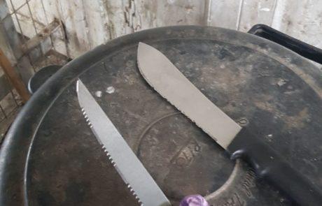 פלסטינית תושבת אידנא  נעצרה כשהיא חמושה בשתי סכינים