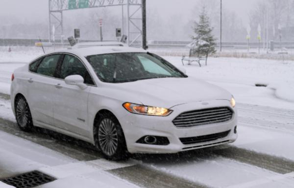 פורד עורכת למכוניותה מבחני נסיעה בשלג
