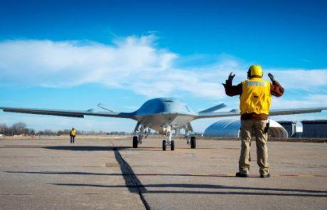 """בואינג תייצר מל""""ט תדלוק עבור חיל הים האמריקני"""