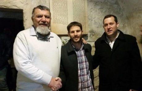 קבר יוסף- מאות  בתפילת הודיה על ניצחון הימין
